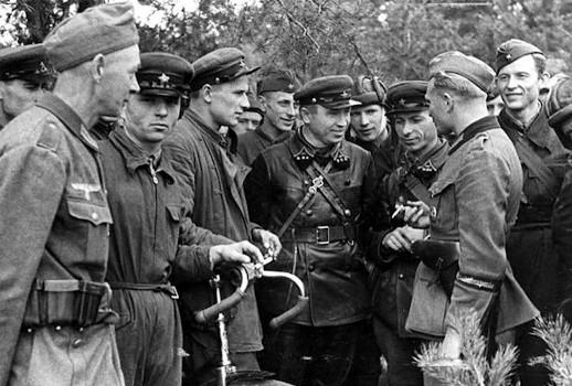 20.09.1939 r. Braterstwo żołnierzy niemieckich i sowieckich